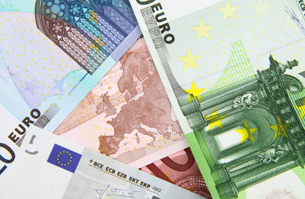 background_bank_banknote_bill_business_cash_credit_currency-1159488.jpg!d